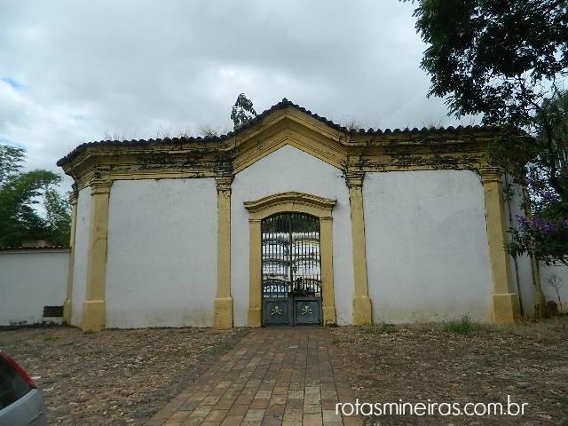 cemiterio-irmandade-nossa-senhora-do-carmo-sabara