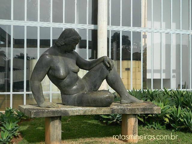 escultura-museu-de-arte-da-pampulha