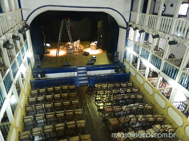 interior-teatro-opera-sabara