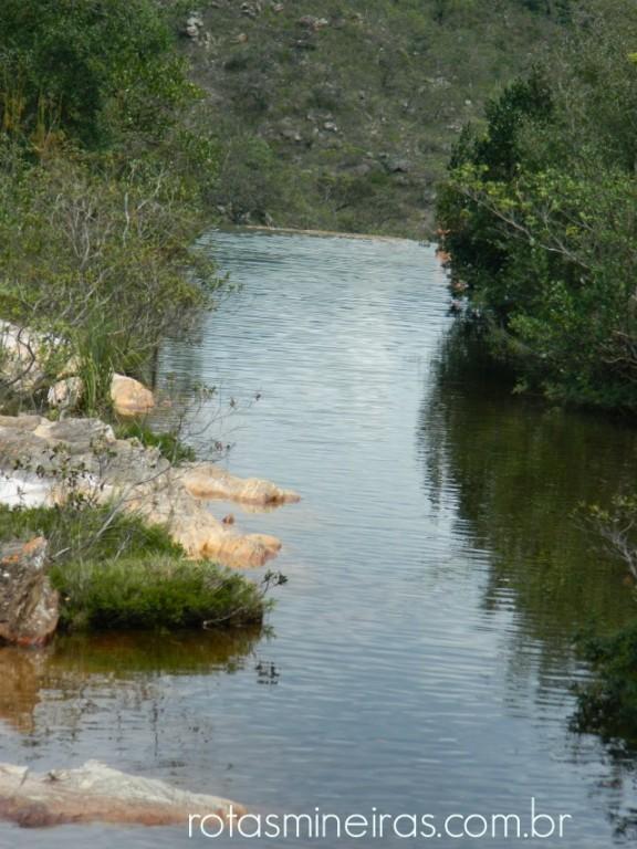 cachoeira-do-moinho-milho-verde-vista-do-alto