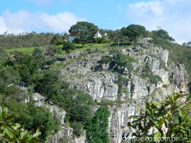 despenhadeiro-centro-são-gonçalo-rio-das-pedras