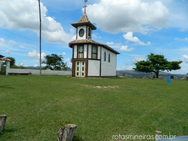 igreja-em-milho-verde