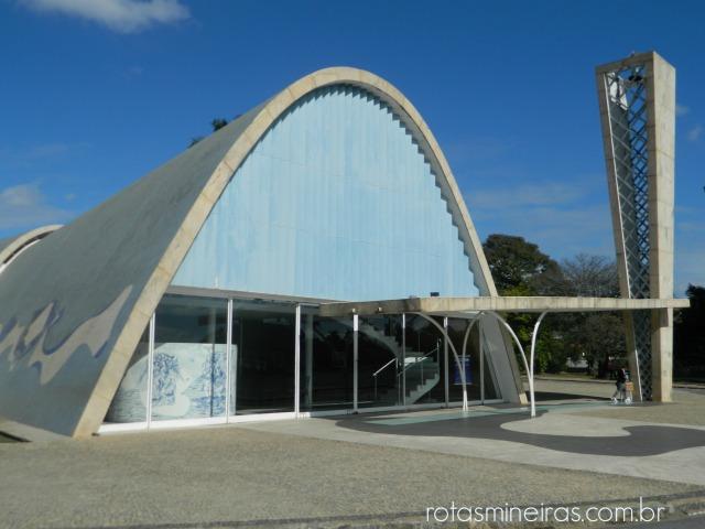 vista-externa-igreja-pampulha